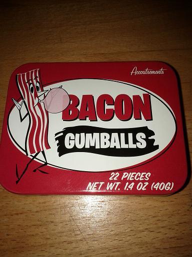De la gomme à saveur de bois de noyer (Hickory) qui pour certains, goûte le bacon!