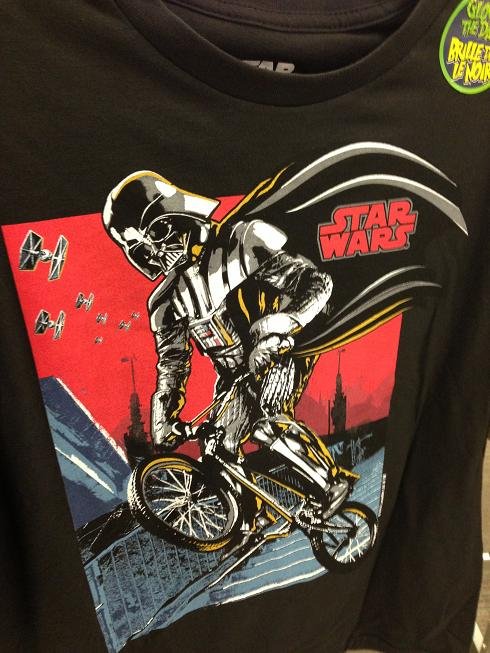 DAFUQ??? Darth Vader en BMX? What's next? Yoda qui fait du surf?