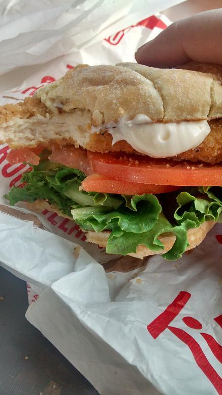 Du bon manger - Sandwich au poulet croustillant tim hortons 3