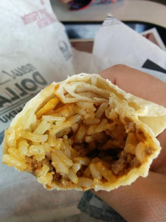 Du bon Manger - Taco Bell Beefy Fritos Burrito 4