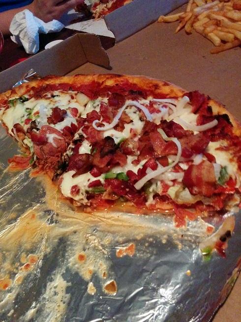 du-bon-manger-pizza-speciale-du-roy-1